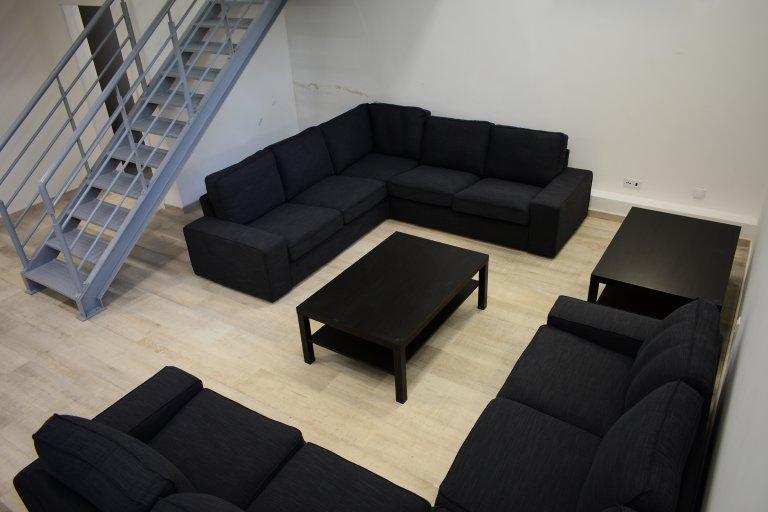 Pokój do wynajęcia w rezydencji w Campo Pequeno, Lizbona