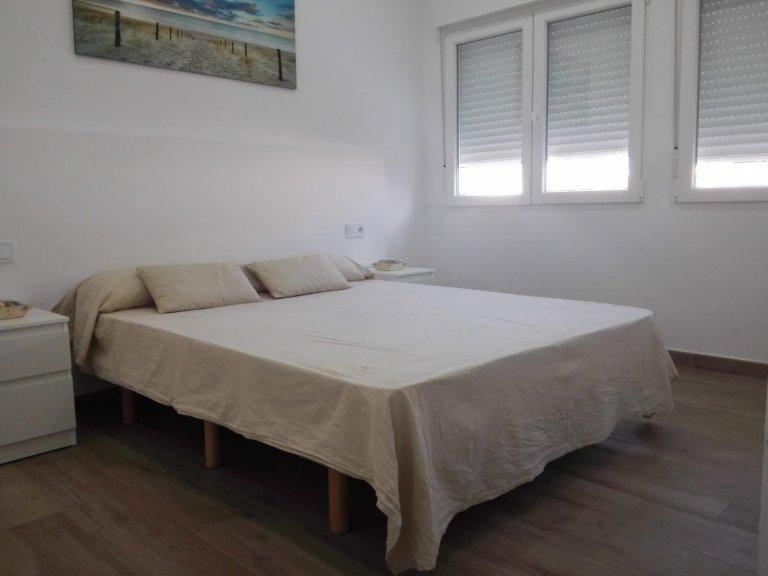 Chambre confortable à louer, appartement de 2 chambres à coucher, Extramurs, Valence
