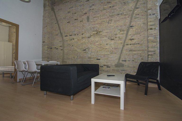Bellissimo appartamento con 4 camere da letto in affitto a Ciutat Vella