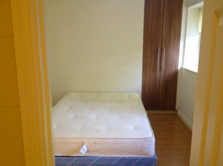 Room 3 with double bed and private bathroom