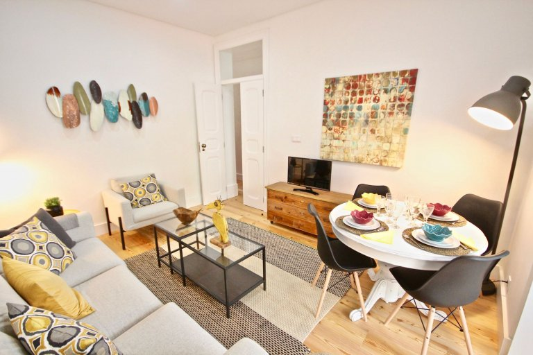 Excellent 2-bedroom apartment for rent in Arroios, Lisbon