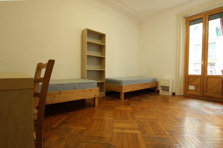 Se alquila habitación en habitación en apartamento en Città Studi, Milán