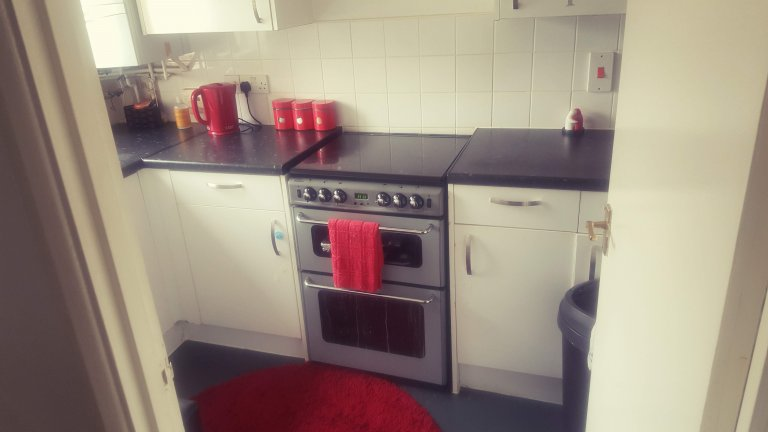 Room in shared apartment in Croydon