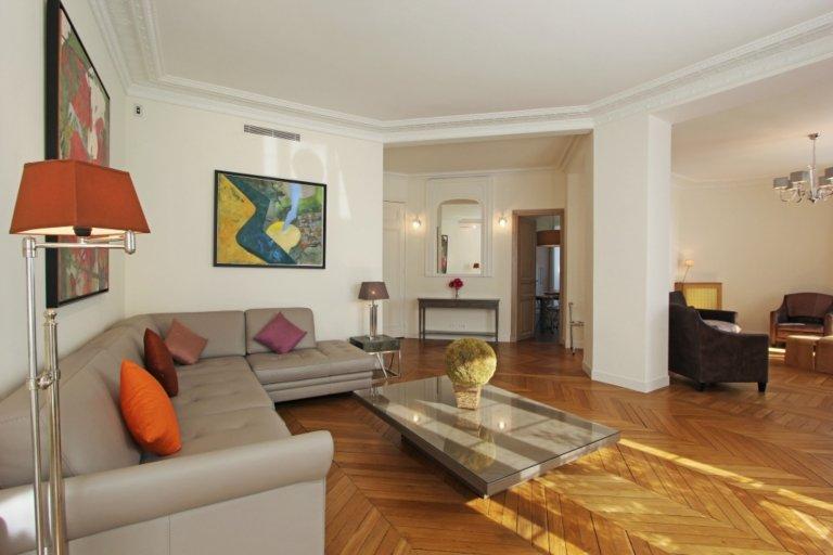 3-bedroom apartment for rent in Paris' 16th arrondissement