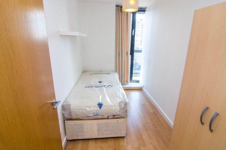 Sonniges Zimmer zu vermieten in Canning Town, London