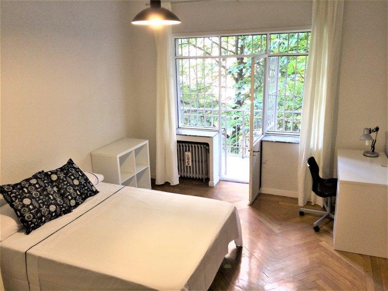 Quarto em apartamento compartilhado em Madrid