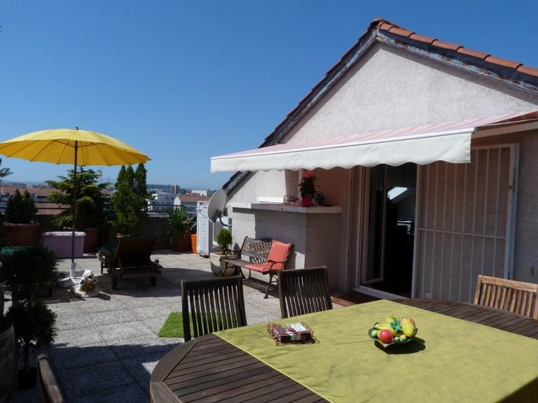 Luxurious 3 Bedroom Duplex with Terrace in Montplaisir - Lyon 8