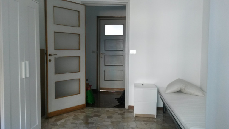 Single room in 3-bedroom apartment in Navigli, Milan