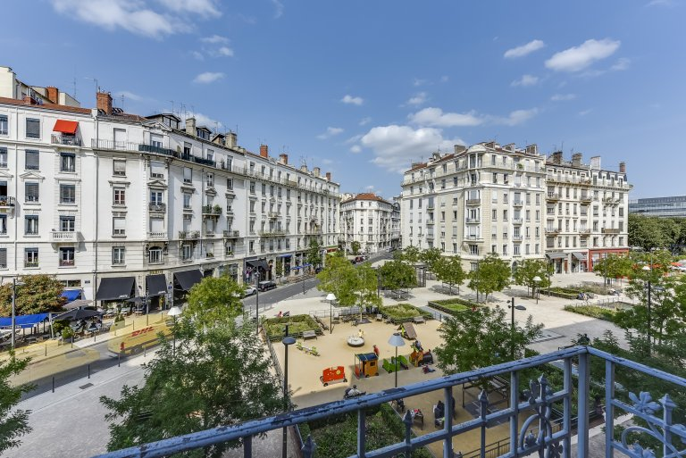 Beautiful 2-bedroom apartment for rent in Brotteaux