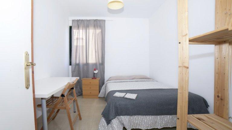 Charming room for rent in Casco Antiguo, Seville