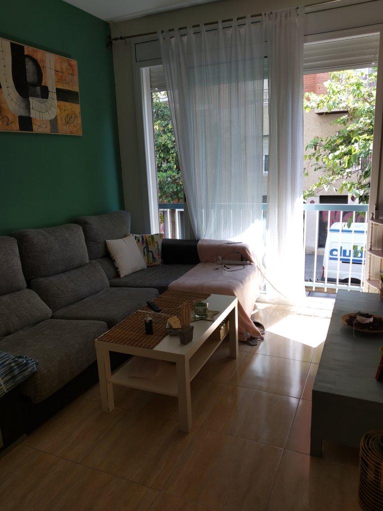 Barcelona'da 2 yatak odalı apartman dairesi