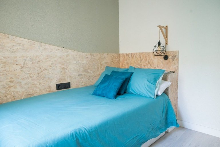Cozy room for rent in student residence in Delicias, Madrid