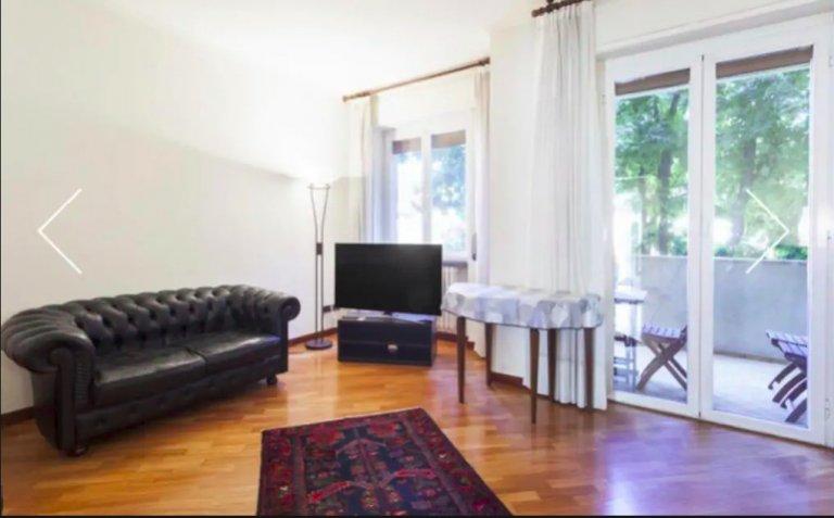 Appartamento con 2 camere da letto in affitto a Lorenteggio, Milano
