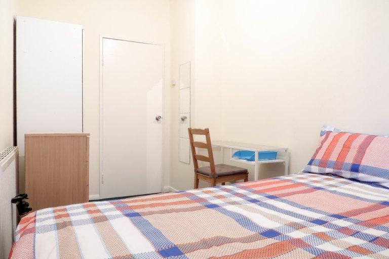 Zimmer zur Miete in 5-Zimmer-Wohnung in Fulham, London