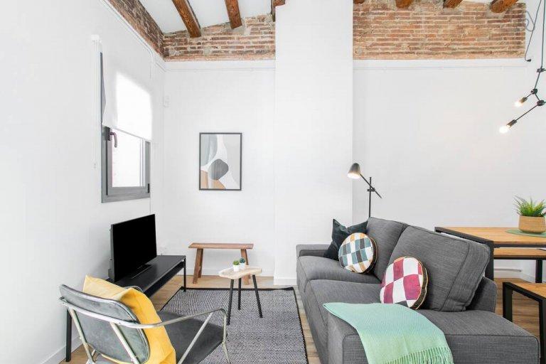Apartamento de 2 dormitorios en alquiler en Poble-sec, Barcleona