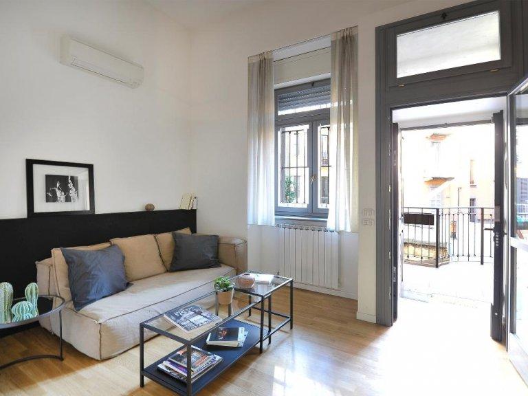 Elegante appartamento con 2 camere da letto in affitto a Centrale, Milano