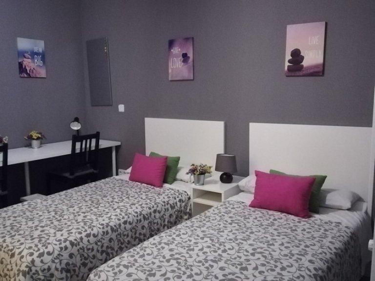 Pokój typu Twin do wynajęcia w rezydencji studenckiej w Trafalgar, Madryt