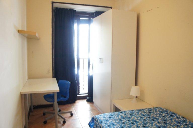 Zimmer zu vermieten in 8-Zimmer-Wohnung in Argüelles, Madrid
