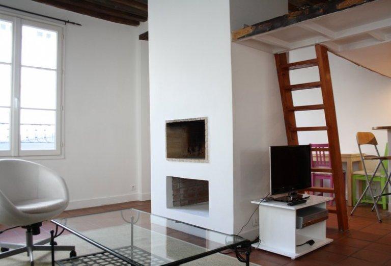 Unique studio apartment for rent in the 9th arrondissement