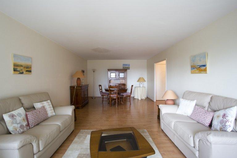 3-bedroom apartment for rent in Courbevoie, Paris