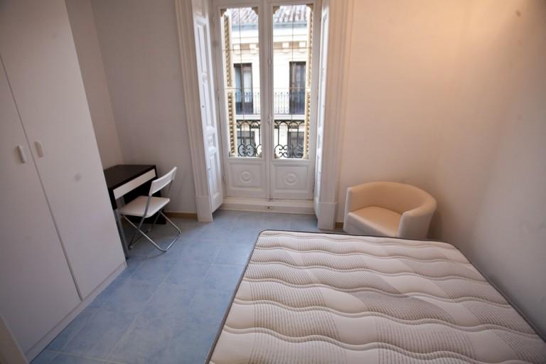 Bedroom 3 - large single bed