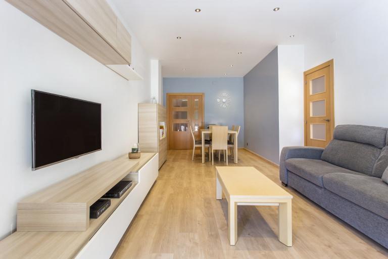 Jasne 4-pokojowe mieszkanie do wynajęcia w Poblenou, Barcelona