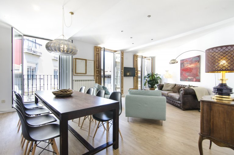 5-bedroom apartment for rent in the City Centre