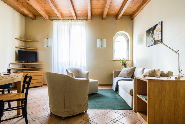 Moderno appartamento con 2 camere da letto in affitto a Navigli, Milano