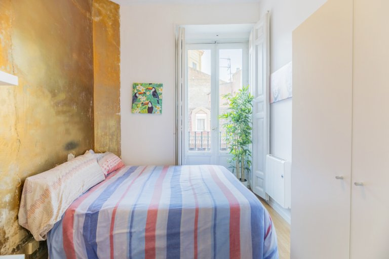 Sunny room for rent in La Latina, Madrid