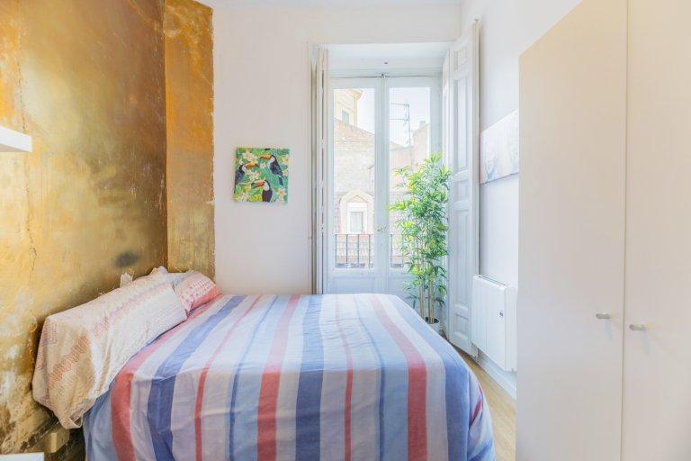 Chambre ensoleillée à louer à La Latina, Madrid