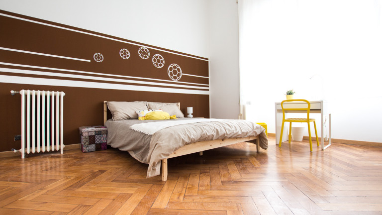 Double Bed in 5 Rooms for rent in apartment with balcony in Corso Sempione area