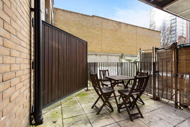Luxury 2-bedroom flat for rent in Camden, London
