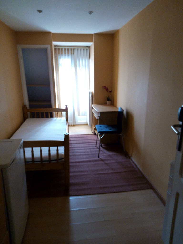 Quarto acolhedor em residência de 18 unidades, Saint Josse, Bruxelas