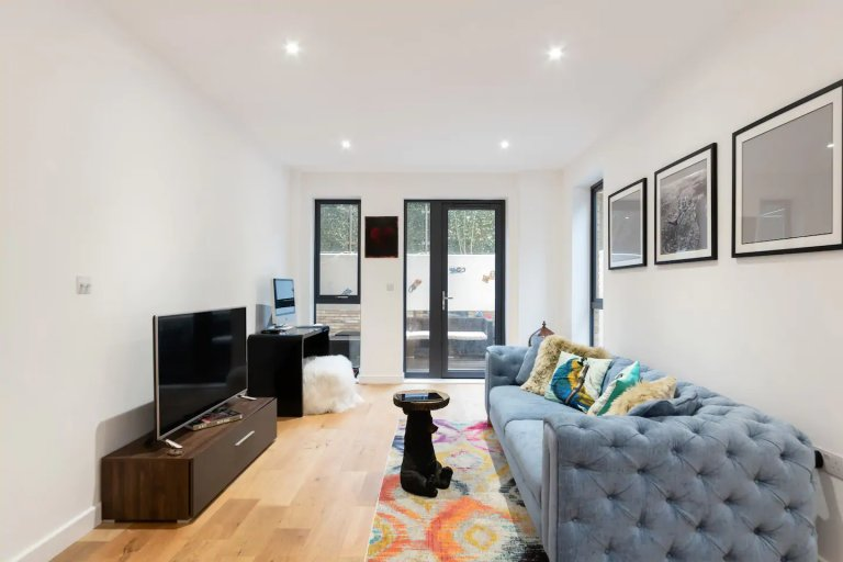 Stylish 1-bedroom apartment for rent in Walmorth, London