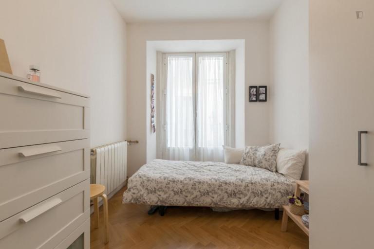Zimmer in 7-Zimmer-Wohnung in Lavapiés, Madrid
