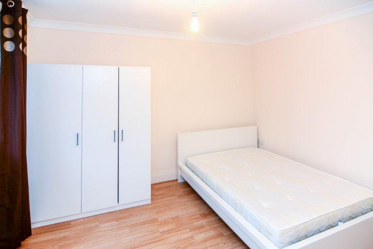 Zimmer zur Miete in einer 4-Zimmer-Wohngemeinschaft in Limehouse