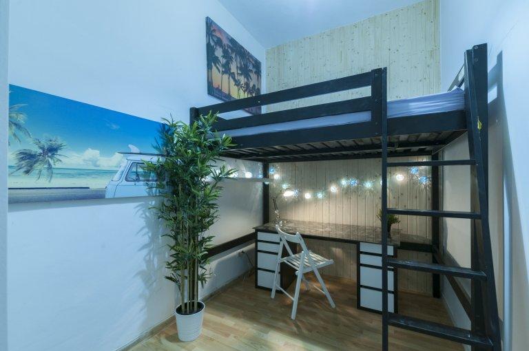 Chambre dans un appartement de 6 chambres à Lavapiés, Madrid