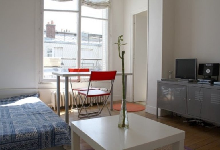 Nice studio apartment for rent in the 2nd arrondissement