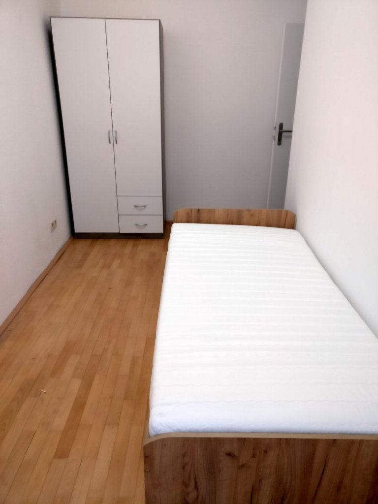 Single Bed in Rooms for rent in 3-bedroom apartment in Hernals