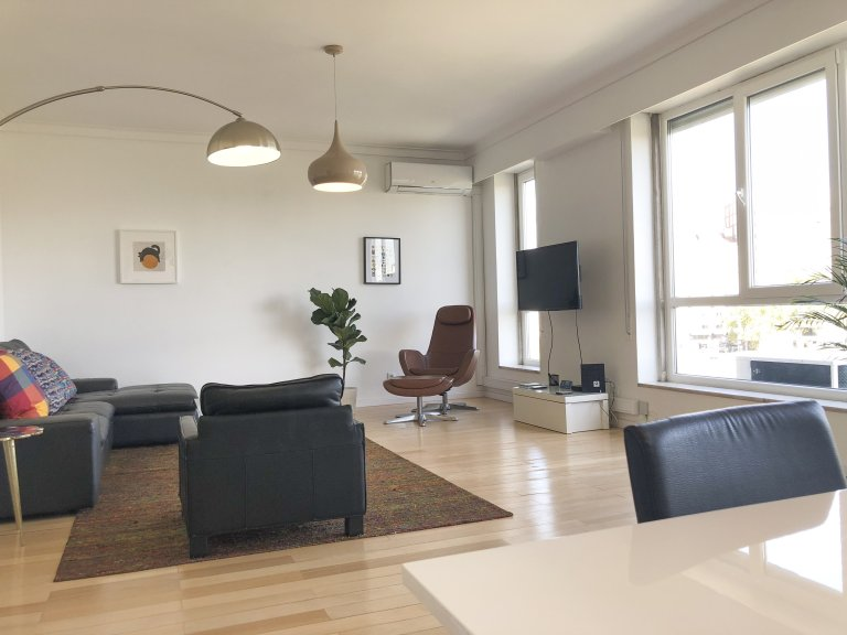 Campolide, Lisboa şehrinde kiralık 3 + 1 daire