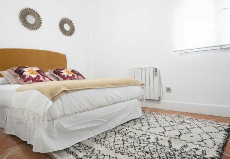 Apartamento de 3 quartos para alugar em Cuatro Caminos, Madrid