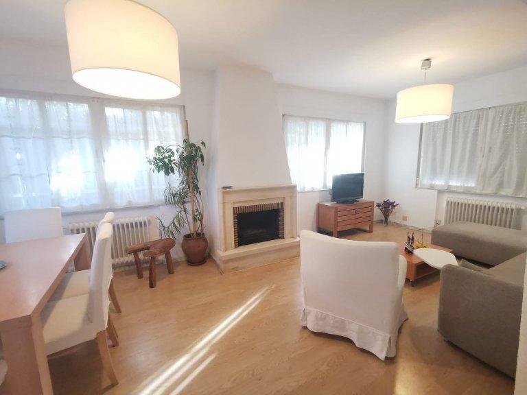 Apartamento de 5 dormitorios en alquiler en Hortaleza, Madrid