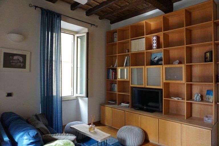 Grand appartement 1 chambre à louer à Trastevere, Rome