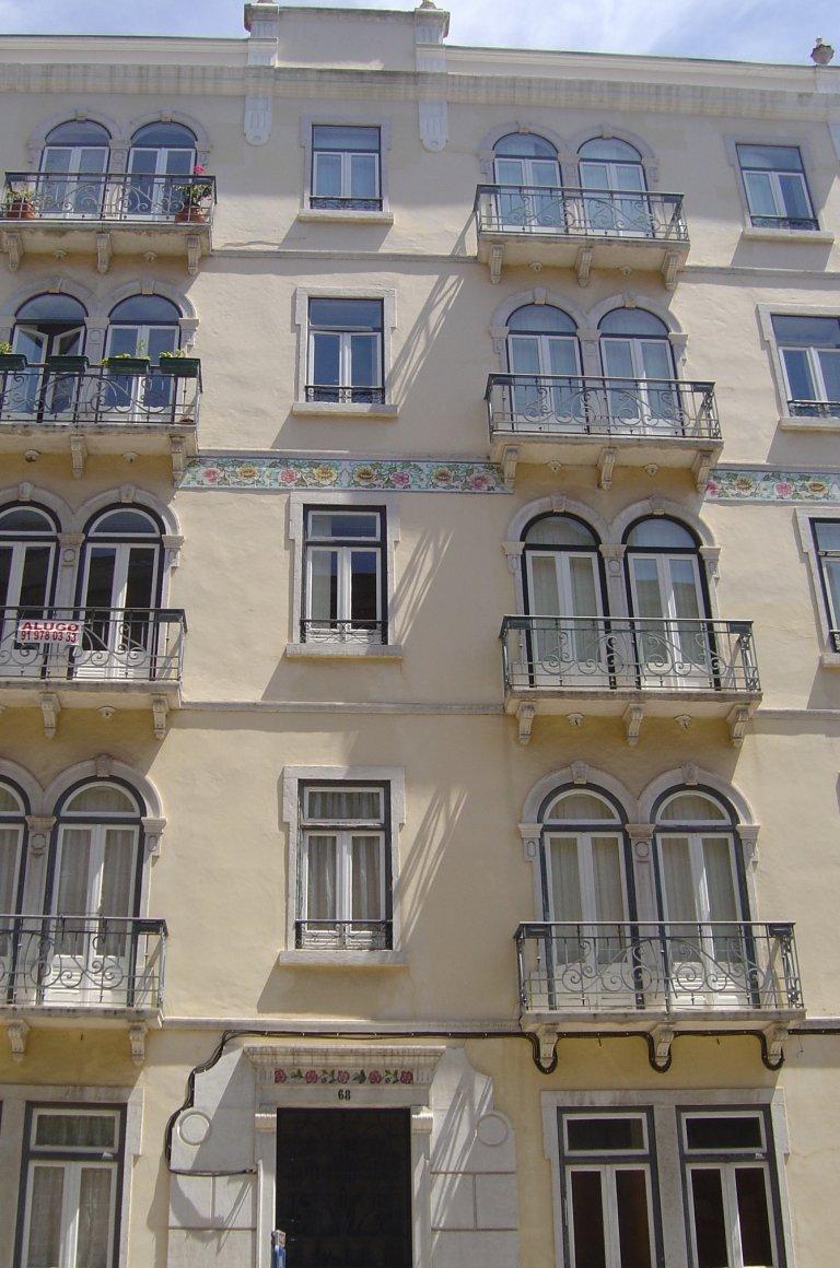 Piso entero de 5 habitaciones en Lisboa.