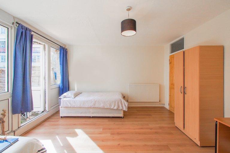 Room for rent in Poplar, London