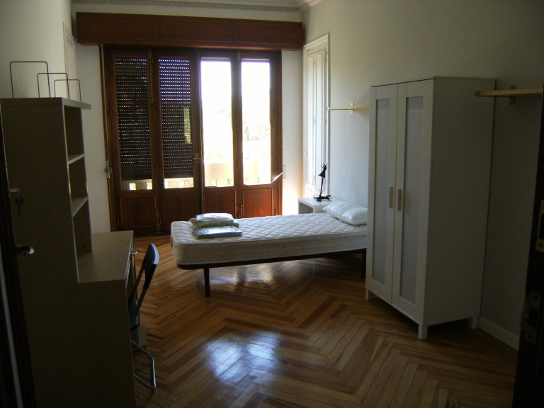 Room 6 - single bed