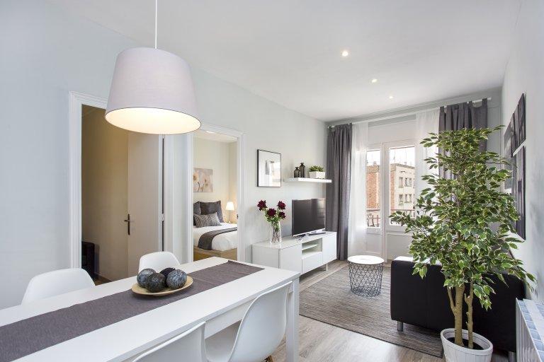 Chic 4-bedroom apartment for rent in Hospitalet de Llobregat