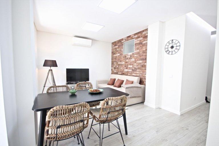 Apartamento de 2 quartos para alugar na Penha de França, Lisboa.