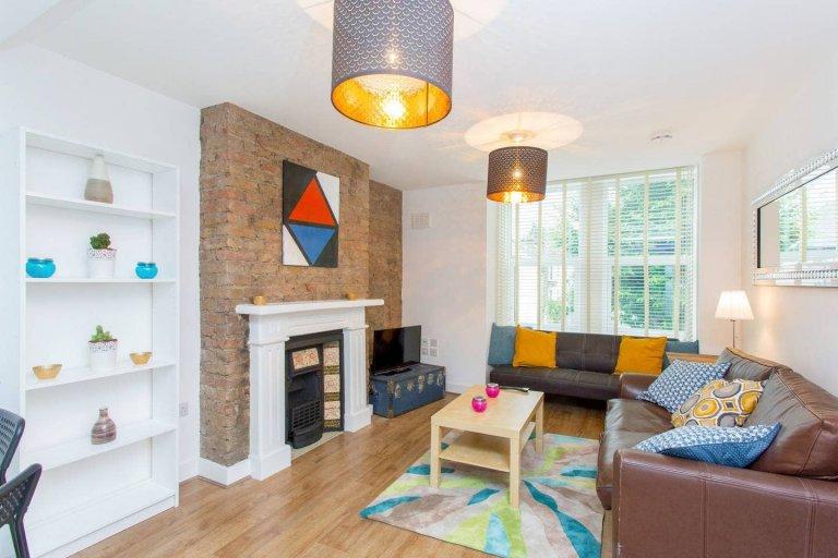 Grand appartement de 3 chambres à louer à Harlesden, Londres