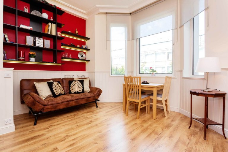 1-bedroom apartment to rent in Shepherd's Bush, London